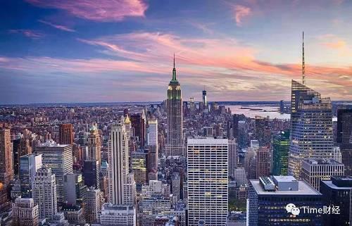 纽约这样一座政治正确的城市,纽约大学开设了全美第一个区块链技术专业。该项目将由纽约大学斯特恩商学院(Stern School of Business) 开设,学院也是提供加密货币和区块链本科课程的先驱。