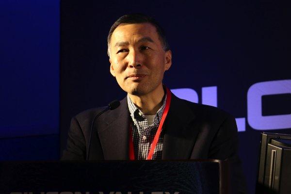 LinkedIn 联合创始人、Hub 创始人、CEO Eric Ly 先生发表演讲