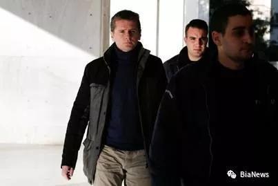 Alexander Vinnik在希腊海滩被捕。  拍摄: COSTAS BALTAS/路透社